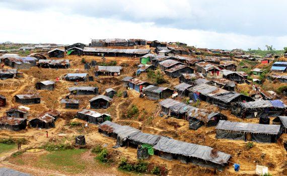 Looming monsoon season threatens Rohingya refugees